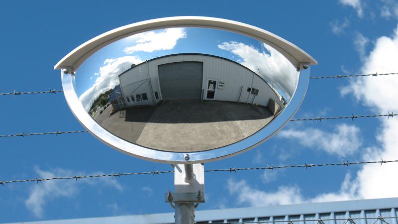 Outdoor Deluxe Half Dome
